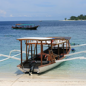 Perahu Motor by Putu Purnawan - Transportation Boats ( boat water travel indonesia )
