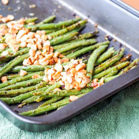 Vegan Pesto Baked Green Beans with Almonds {Gluten-Free}
