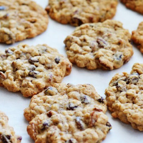 Oatmeal Cookies With Raisins For A Thin Waist!
