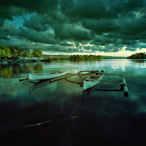 Alampun ikut bersedih.. by Dhiean Kukuh - Landscapes Waterscapes