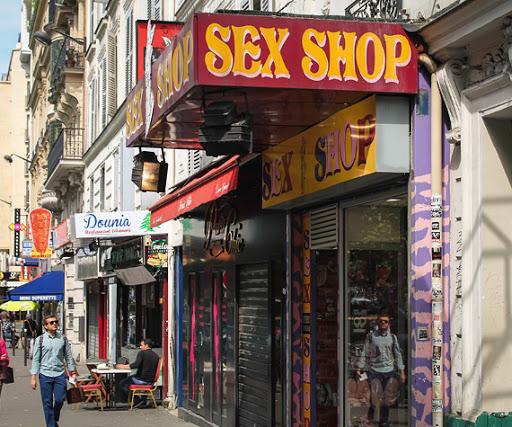 Shopping in Montmarte