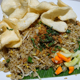 Fried Rice by Mulawardi Sutanto - Food & Drink Plated Food ( nasi goreng, fried rice, travel, resto, food, bandung )