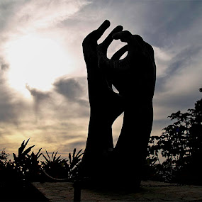 Manos de la Hermandad by Fran Gallogly - People Body Parts ( mexico, statues, acapulco mexico pwchands )