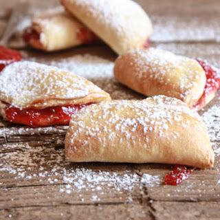 Easy Strawberry Breakfast Turnovers
