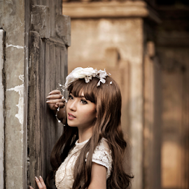 love me like you do by Ivan Lee - Wedding Bride ( canon, model, girl, beauty )