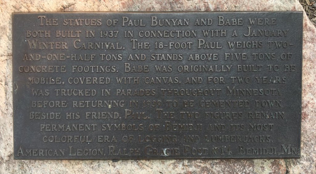 Paul Bunyan and Babe the Blue Ox, with 6 year old for scale. Bemidji, MN. #alwaysreadtheplaque https://t.co/tFGYyVNNQC TweetSubmitted by @gkatz