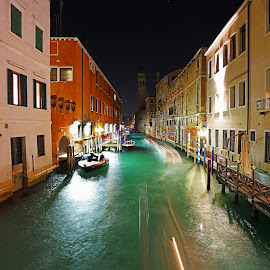 Venice Street by Wilson Beckett - City,  Street & Park  Street Scenes