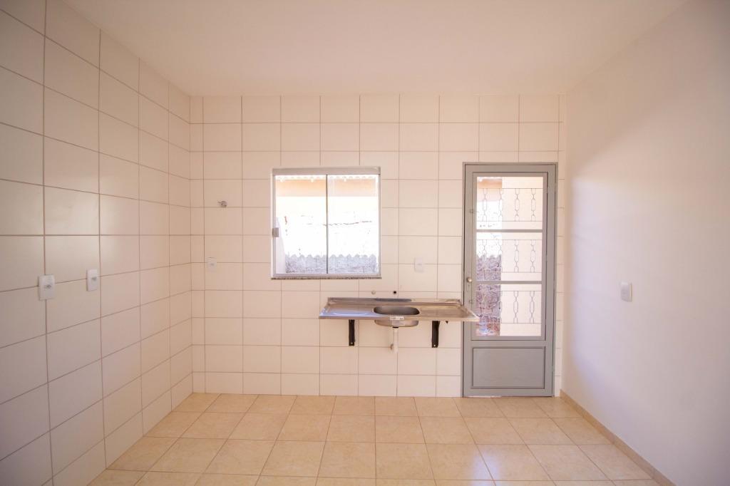 Casa com quartos para Alugar, 66 m²