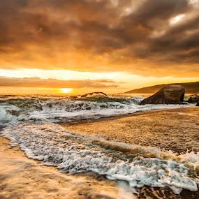 Sunrise in Estaleiro Beach by Rqserra Henrique - Landscapes Beaches ( clouds, brazil, splash, waves, rqserra, beach, sunrise )