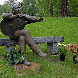 The Guitar Man by Carl Chalupa - Buildings & Architecture Statues & Monuments ( memorial, cemetery, guitar, graveyard,  )