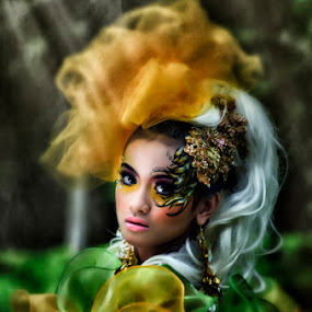 Its me again.... by Dhiean Kukuh - People Fashion ( fashion, she, beauty, photo )
