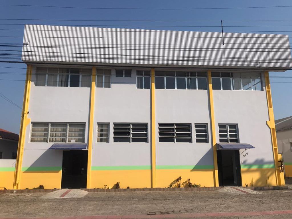 Galpão para alugar, 120 m² por R$ 1.700,00/mês - Praça - Tijucas/SC