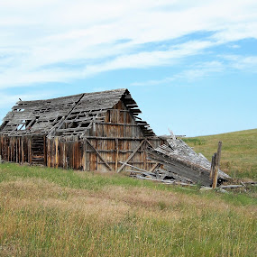 Abandoned Barn by James Oviatt - Buildings & Architecture Decaying & Abandoned