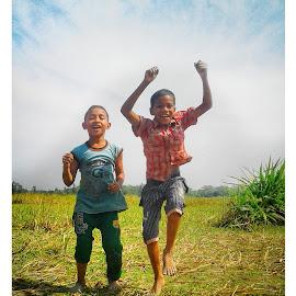 Delight  by Odrhi Naiem - Babies & Children Children Candids ( #naiemphotography #odrhinaiemmobilephotography #odrhidelightphotography #delightphotoofodrhi #delight )