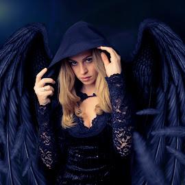 Woman In Black by Reynaldo Karisoh - Digital Art People ( art, manipulation, photoshop )
