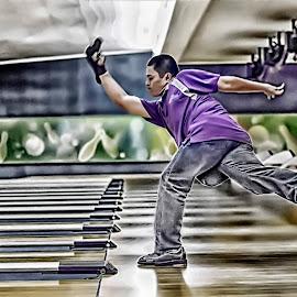 by Zabaniyah  Araaffurqqon - Sports & Fitness Bowling