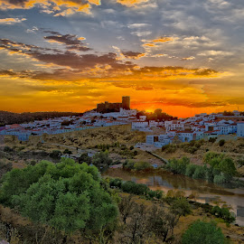 Mértola by Luis Palma - Buildings & Architecture Public & Historical ( portugal alentejo mertola castelo por do sol )
