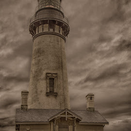 Yaquina Head Lighthouse by Mike Lee - Buildings & Architecture Public & Historical ( yaquina, oregon, tonemapped, yaquina head, historical architecture, lighthouse, oregon coast, architecture, coastal, coast, abandoned, historical lighthouse )