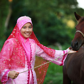 Huda and his horse by Hanif Ismail - Wedding Bride