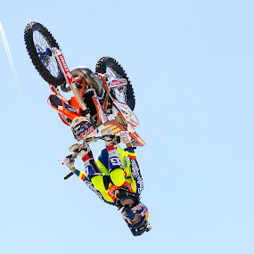 Catch the plane. by José Borges - Sports & Fitness Motorsports ( rider, plane, volvooceanrace, motorcross, fmx,  )