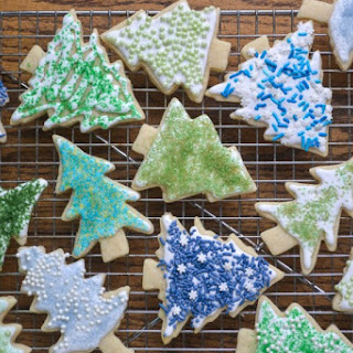 Holiday Sugar Cookies and DIY Colored Sugar