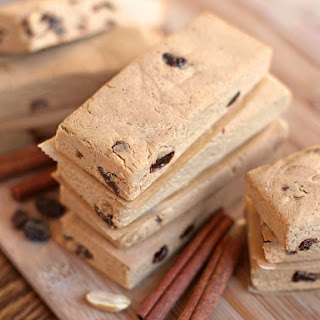 Healthy Cinnamon Raisin Peanut Butter Fudge Protein Bars (low sugar, gluten free, vegan)