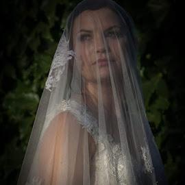 Natural light by Annaline Werth - Wedding Bride
