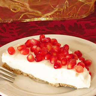 Healthy Pomegranate Yogurt Pie {Gluten Free, Low Calorie}