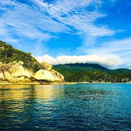 by Lori Danko - Landscapes Cloud Formations ( kohphangan, thailand, pacific, lonelyplanet, island, paradise, imonaboat, stunning, fullmoon, goodgod, travel, wonderland, travelgram, blueskies, morning, sunrise_sunsets_aroundworld, travelphotography, earthporn )