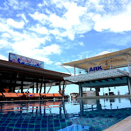 ARK Bar @Koh Samui Thailand. by คนรักทะเล จิงๆนะ - Landscapes Cloud Formations