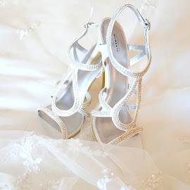 by Tracy Mcgowan - Wedding Getting Ready (  )