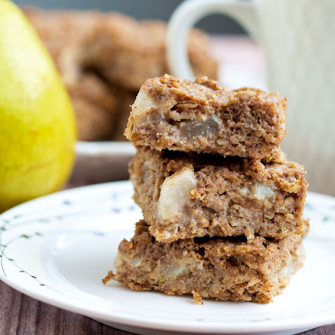 Fruit-Sweetened Pear Oatmeal Bars