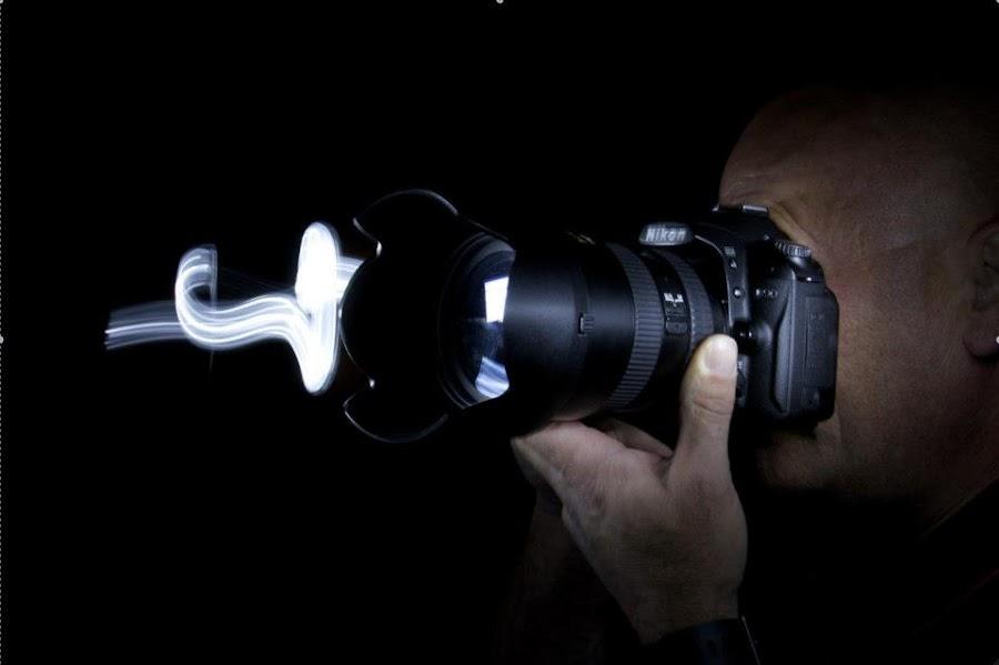 Capturing The Light by Ewan Allardice - People Fine Art