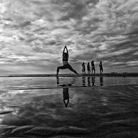 YOGA by Do AmateurPic - People Street & Candids