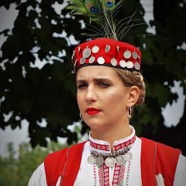 Folk costumes by Alen Zita - People Musicians & Entertainers ( folk, vinkovci, croatia, costume, women )