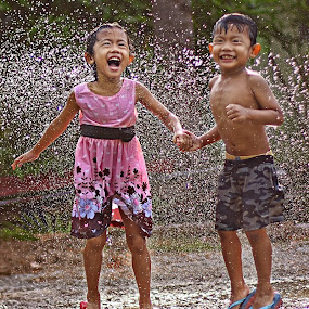 Qayyum&Alya by Azmil Omar - Babies & Children Children Candids ( water, potrait, kids, people, man )