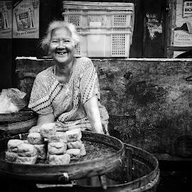 Penjual Tahu by Taufan F Adryan - People Street & Candids