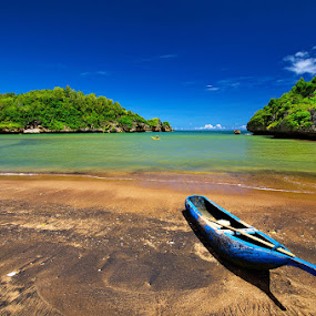 Watukarung Beach by Taufiqurakhman Ab - Landscapes Travel