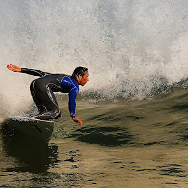 Before the jump by Gérard CHATENET - Sports & Fitness Surfing