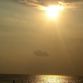 sun set in kanya kumari, india by Abhay Srivastava - Landscapes Beaches ( nature, art, beautiful, ocean, india, beach )