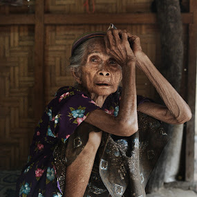 102 Year Old Woman by Kresnata Adijaya - People Street & Candids ( old )