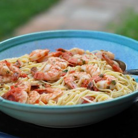 Fettuccine with Shrimp in Basil Cream Sauce