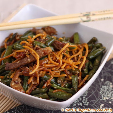 Gluten-free Noodles With Sesame Seeds, Green Beans And Pork Stripes