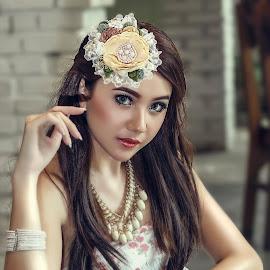 Winny by Ghamhatronich Ghamhatronich - People Portraits of Women ( model, fashion, woman, beauty, pretty )