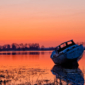 All Ashore... by Luc Belisle - Transportation Boats ( sunrise, boat )