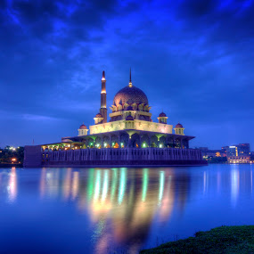 Blue Hour @ Putra Mosque, Putrajaya by Zack Zaidi - Landscapes Sunsets & Sunrises ( reflection, mosque, blue hour, putrajaya, malaysia, sunrise )