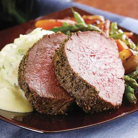 Fennel & Rosemary Beef Tenderloin with Creamy Mustard Sauce