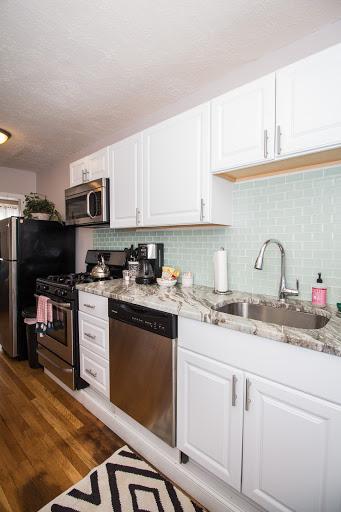 8-191KENT#5-Kitchen(1).jpg