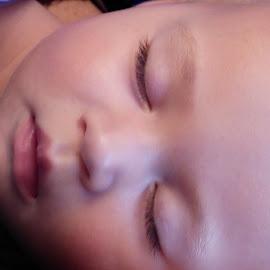 JOY  SOBRINA NIETA by Jose Mata - Babies & Children Babies