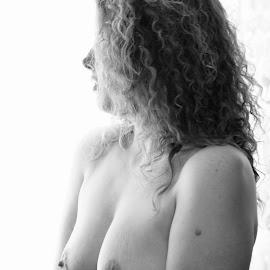 Leah by Richard Suiters - Nudes & Boudoir Artistic Nude